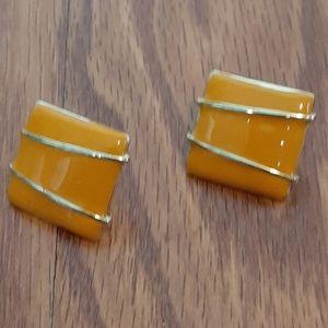 5/50% vintage style mustard yellow stud earrings